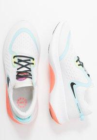 Nike Performance - JOYRIDE DUAL RUN - Chaussures de running neutres - summit white/glacier ice/sapphire - 1