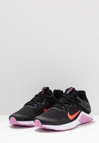 Nike Performance - LEGEND ESSENTIAL - Sportovní boty - black/flash crimson/beyond pink - 2
