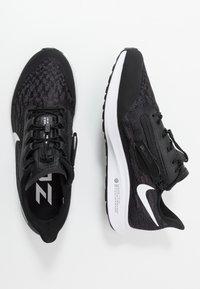 Nike Performance - AIR ZM PEGASUS 36 FLYEASE WD - Zapatillas de running neutras - black/white/thunder grey - 1