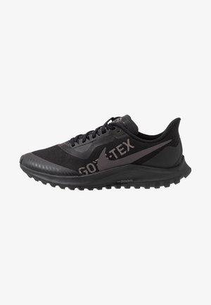 ZOOM PEGASUS 36 TRAIL GTX - Běžecké boty do terénu - black/thunder grey/total orange