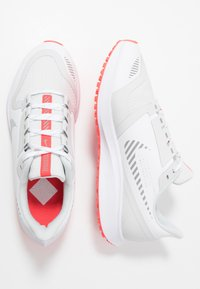 Nike Performance - AIR ZOOM PEGASUS 36 SHIELD - Obuwie do biegania treningowe - white/photon dust/laser crimson - 1