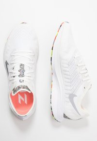Nike Performance - ZOOM PEGASUS TURBO 2 - Obuwie do biegania treningowe - summit white/wolf grey/white/lava glow - 1