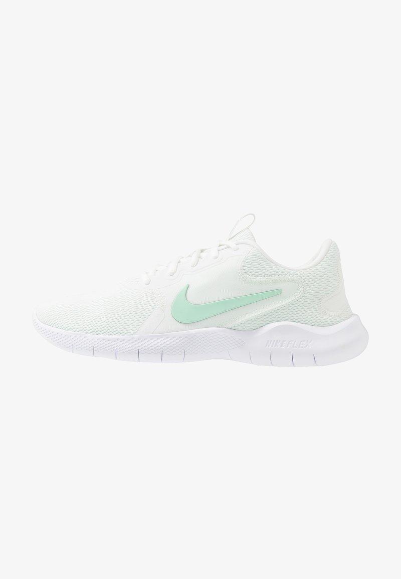 Nike Performance - FLEX EXPERIENCE RN  - Löparskor för tävling - summit white/mint foam
