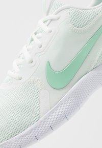Nike Performance - FLEX EXPERIENCE RN  - Löparskor för tävling - summit white/mint foam - 5