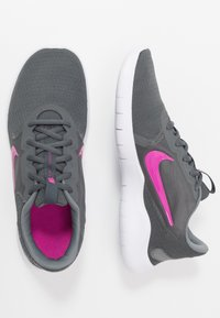 Nike Performance - FLEX EXPERIENCE RN  - Zapatillas de competición - iron grey/fire pink/smoke grey - 1