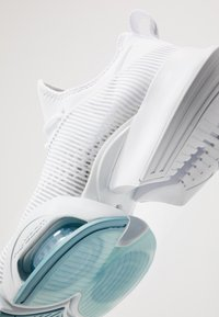 Nike Performance - AIR ZOOM SUPERREP - Scarpe da fitness - white/metallic silver/pure platinum/cerulean - 5