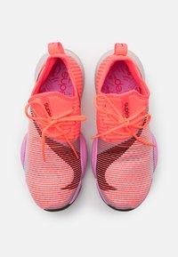 Nike Performance - AIR ZOOM SUPERREP - Treningssko - flash crimson/black/beyond pink - 3