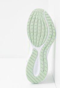 Nike Performance - RUNALLDAY 2 - Obuwie do biegania treningowe - spruce aura/barely volt/pistachio frost - 4