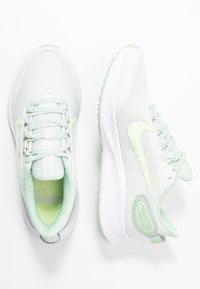 Nike Performance - RUNALLDAY 2 - Obuwie do biegania treningowe - spruce aura/barely volt/pistachio frost - 1