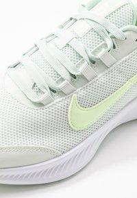 Nike Performance - RUNALLDAY 2 - Obuwie do biegania treningowe - spruce aura/barely volt/pistachio frost - 5
