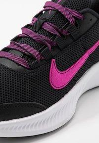 Nike Performance - RUNALLDAY 2 - Juoksukenkä/neutraalit - black/pure platinum/fire pink - 5