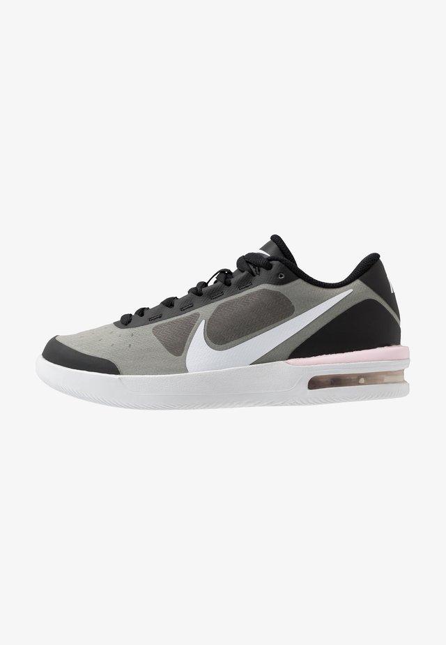 COURT AIR MAX VAPOR WING - Chaussures de tennis toutes surfaces - black/white/pink foam