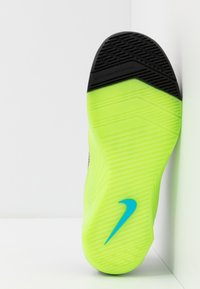 Nike Performance - METCON 5 AMP - Sports shoes - black/fire pink/green strike/blue fury - 4
