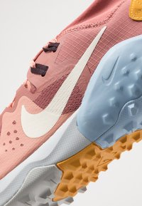 Nike Performance - WILDHORSE 6 - Zapatillas de trail running - canyon pink/pale ivory/pink quartz/sky grey/psychic blue/pollen rise - 5