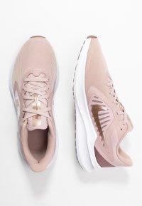 Nike Performance - DOWNSHIFTER 10 - Zapatillas de running neutras - stone mauve/metallic red bronze/smokey mauve/barely rose - 1