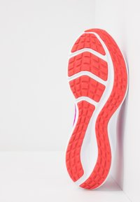 Nike Performance - DOWNSHIFTER 10 - Obuwie do biegania treningowe - fire pink/summit white/ember glow/white - 4