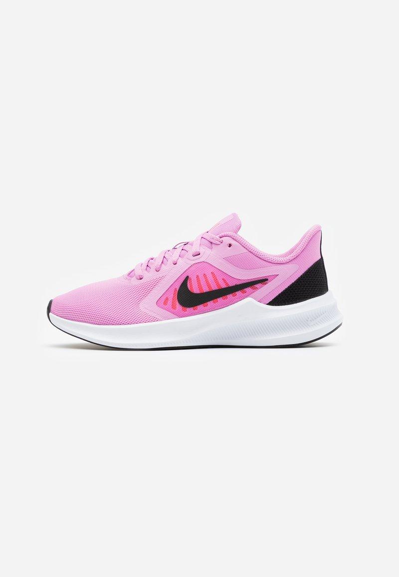 Nike Performance - DOWNSHIFTER 10 - Obuwie do biegania treningowe - beyond pink/black/flash crimson