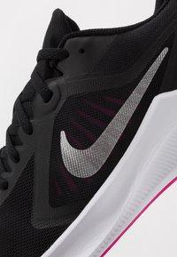 Nike Performance - DOWNSHIFTER 10 - Obuwie do biegania treningowe - black/metallic silver/fire pink - 5
