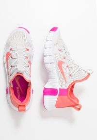 Nike Performance - FREE METCON  - Sports shoes - vast grey/magic ember/white/fire pink - 1