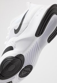 Nike Performance - SUPERREP GO - Sports shoes - white/black - 5