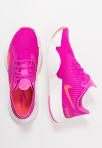 Nike Performance - SUPERREP GO - Obuwie treningowe - fire pink/magic ember/summit white - 1