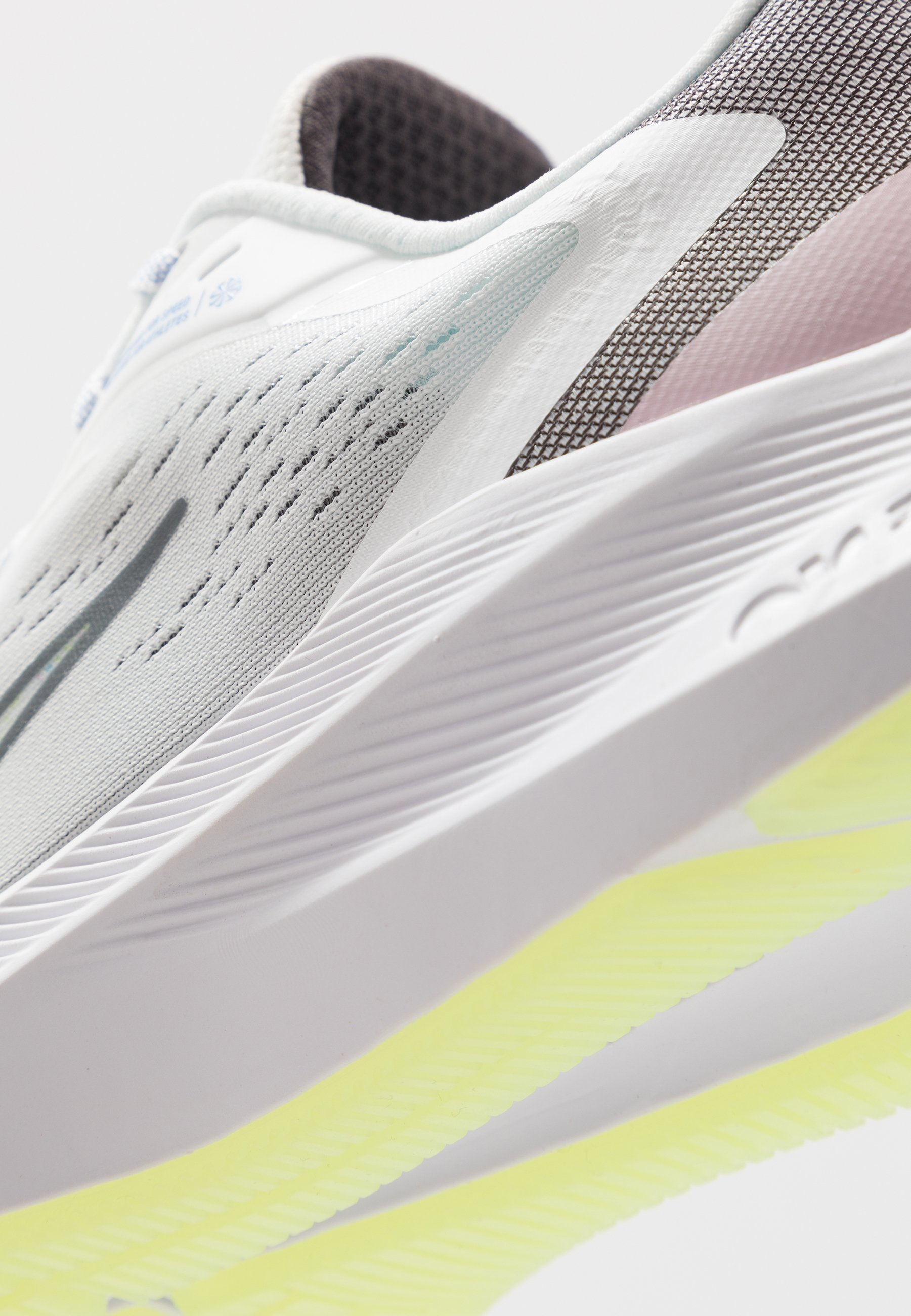 Nike Performance ZOOM WINFLO 7 SE Nøytrale løpesko