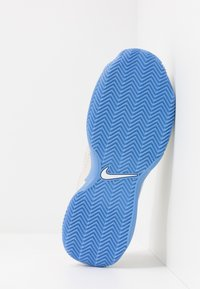 Nike Performance - COURT LITE 2 CLAY - Clay court tennis shoes - light orewood brown/white/royal pulse - 4