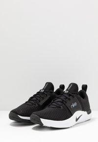 Nike Performance - RENEW IN-SEASON TR 10 - Sports shoes - black/dark smoke grey/white - 2