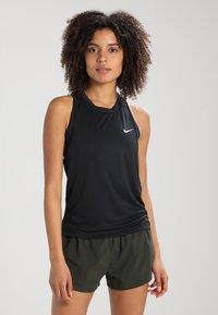 Nike Performance - MILER - Funktionstrøjer - black/reflective silver - 0
