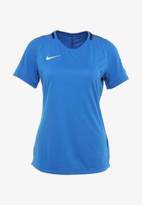 Nike Performance - DRY - T-shirts med print - royal blue/obsidian/white - 3