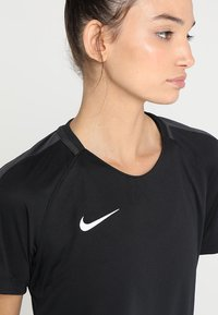 Nike Performance - DRY - T-shirt con stampa - black/anthracite/white - 4