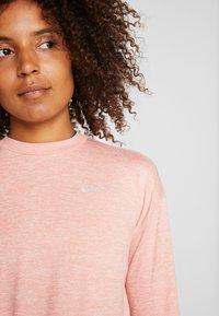 Nike Performance - CREW - Funktionsshirt - pink quartz/echo pink/reflective silver - 4