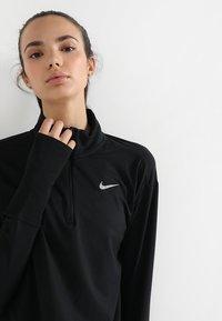 Nike Performance - Tekninen urheilupaita - black/silver - 3