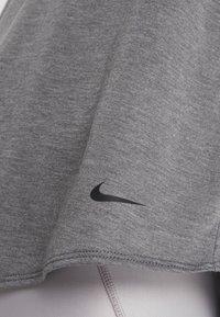 Nike Performance - DRY TANK ELASTIKA - T-shirt sportiva - dark grey/heather/black - 4