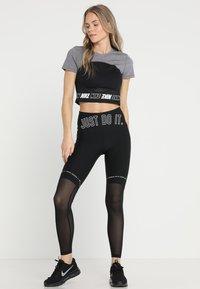 Nike Performance - ICON CLASH  TOP  - T-shirt print - gunsmoke/| heather/white - 1