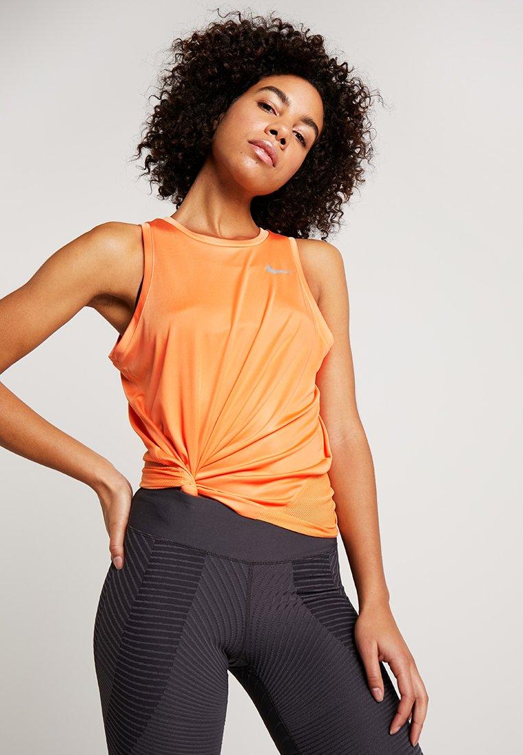 Nike Performance - MILER TANK - Camiseta de deporte - fuel orange/reflective silver