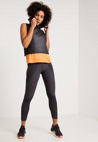 Nike Performance - MILER TANK - Camiseta de deporte - fuel orange/reflective silver - 1