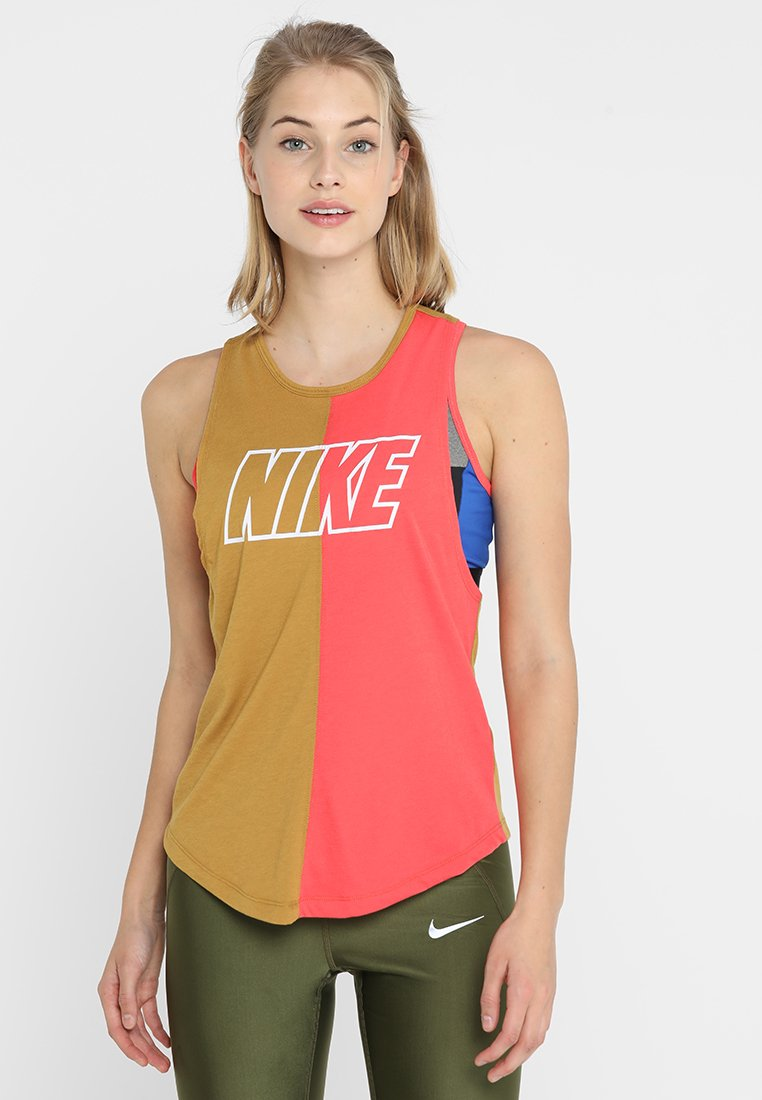 Nike Performance - ICON CLASH TANK MILER  - Koszulka sportowa - wheat/ember glow/white
