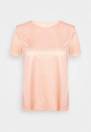 MILER  - T-shirts med print - washed coral