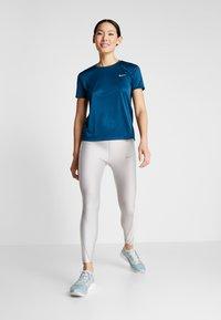 Nike Performance - MILER  - Print T-shirt - valerian blue/reflective silver - 1