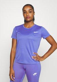 Nike Performance - MILER  - Camiseta estampada - sapphire/silver - 0