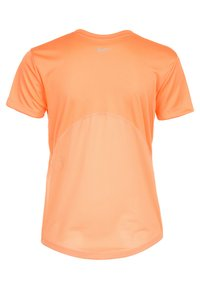 Nike Performance - MILER V NECK - Sports shirt - fuel orange/reflective silver - 1