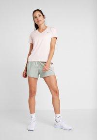 Nike Performance - MILER V NECK - Koszulka sportowa - echo pink/reflective silv - 1