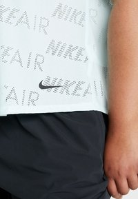Nike Performance - AIR PLUS - Jednoduché triko - teal tint - 4