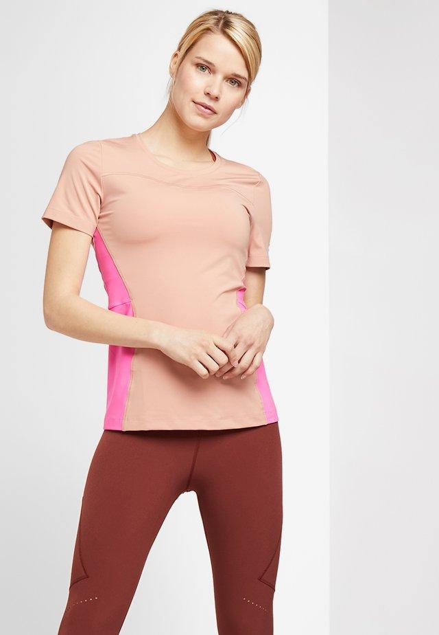 T-shirt med print - rose gold/laser fuchsia/white