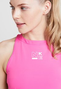 Nike Performance - TANK - Treningsskjorter - laser fuchsia/rose gold/white - 3