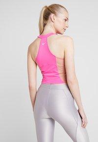 Nike Performance - TANK - Treningsskjorter - laser fuchsia/rose gold/white - 2