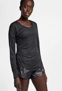 Nike Performance - T-shirt de sport - black - 2