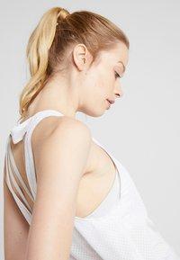 Nike Performance - MILER TANK BREATHE - Koszulka sportowa - white/reflective silver - 3