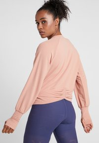 Nike Performance - MIDLAYER TWIST - Sweater - rose gold - 2